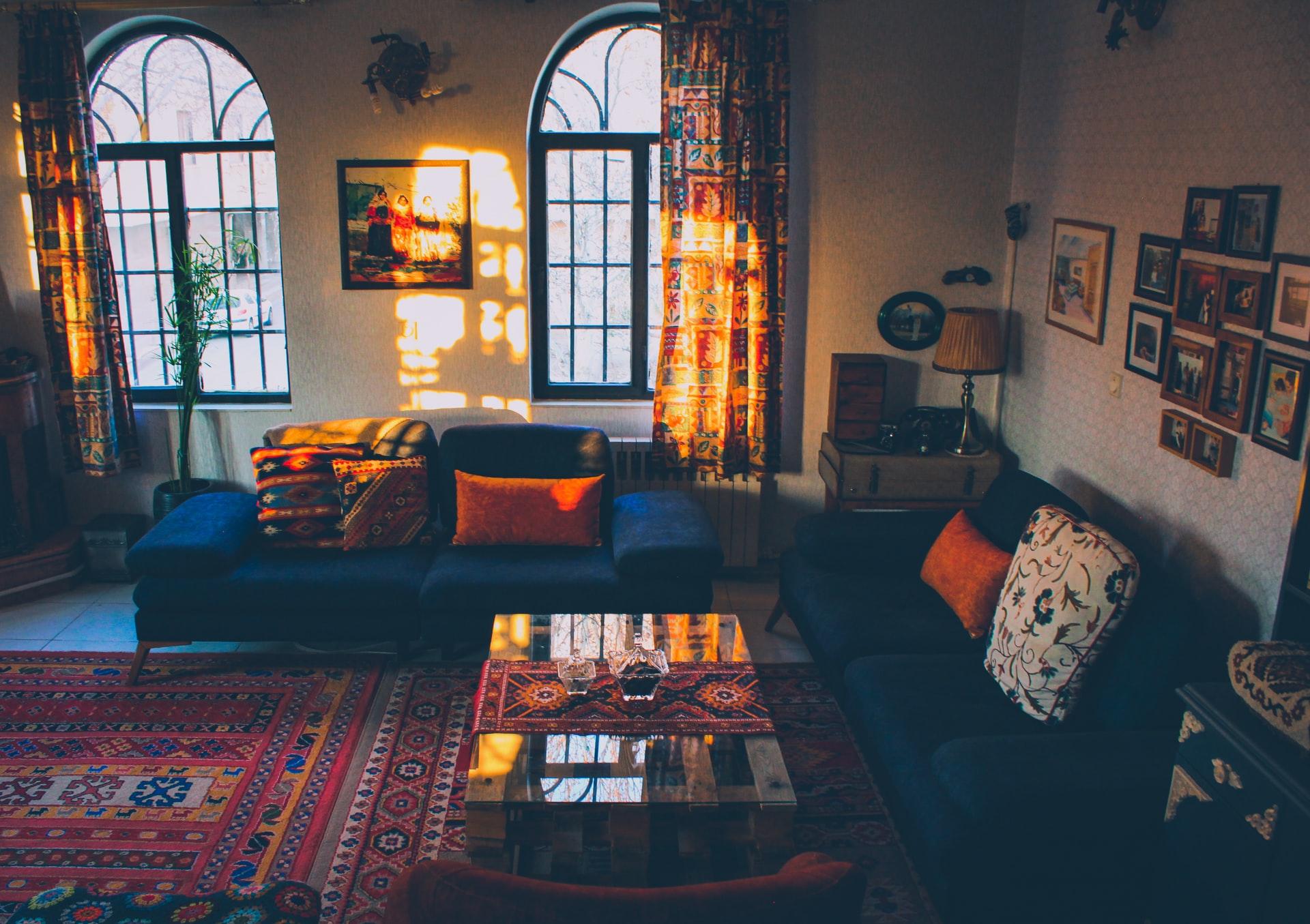 kleurrijke woonkamer